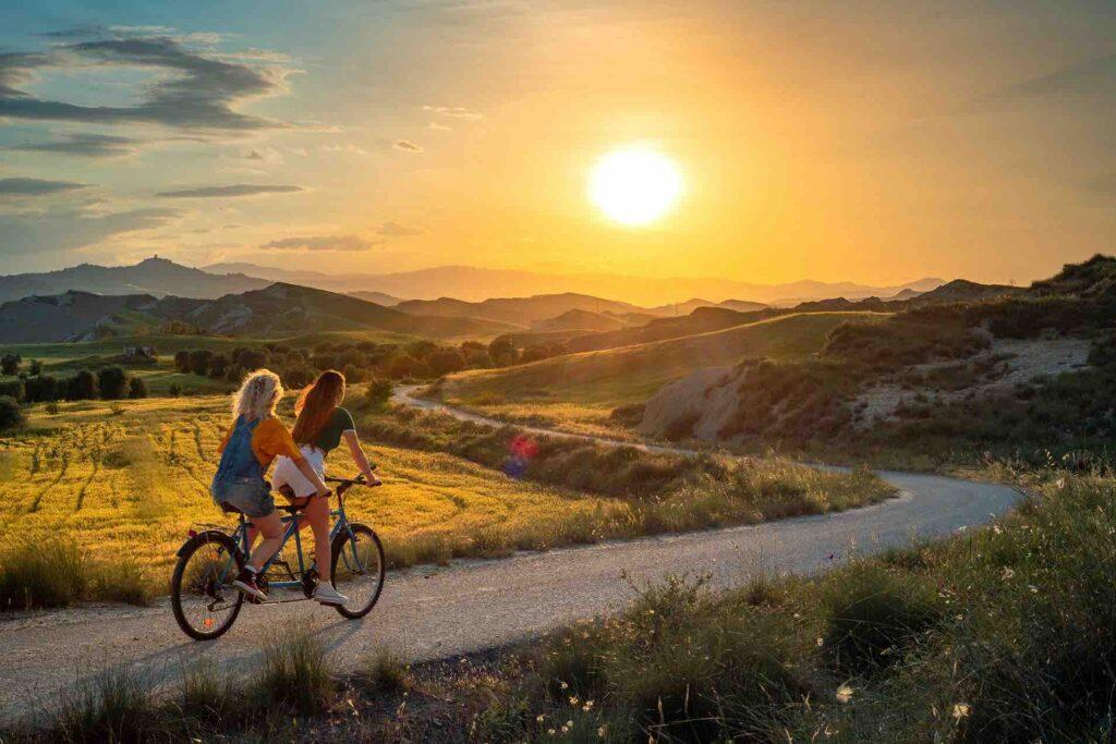 Free to move Calanchi_craco_sunset
